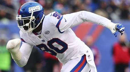 Jason Pierre-Paul of the New York Giants rushes