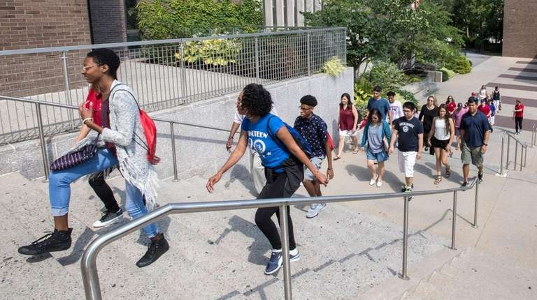High schoolers tour Stony Brook University in August