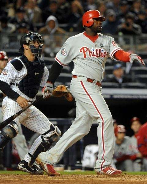Philadelphia Phillies' Ryan Howard (6) hits an RBI