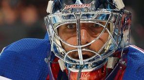 Rangers goalie Henrik Lundqvist tends net against the