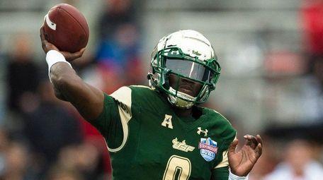 South Florida quarterback Quinton Flowers throws a pass