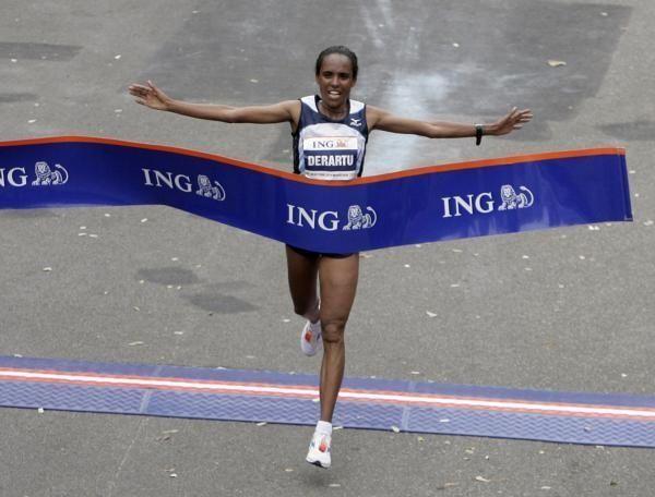 Derartu Tulu of Ethiopia comes in first in