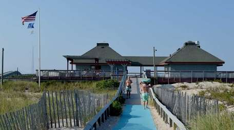 Visitors flock to Ponquogue Beach Pavilion in Hampton