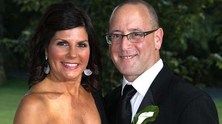 Andrea and David Schmutter of Oceanside celebrated their