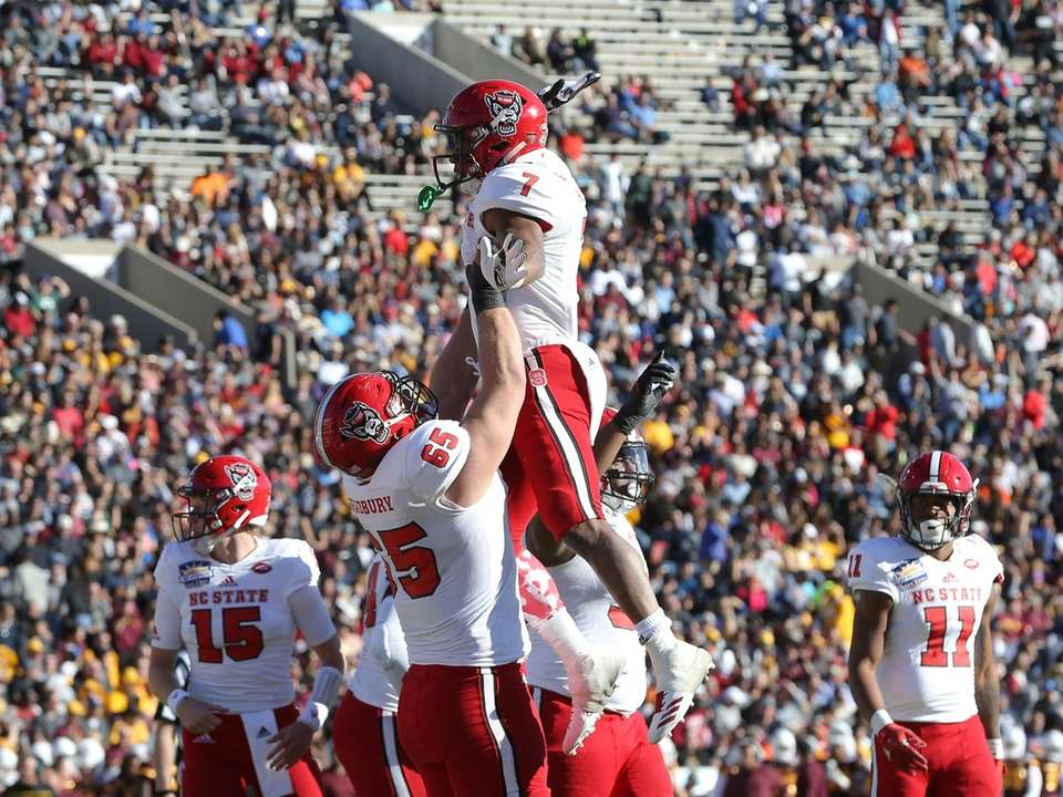 North Carolina State 52, Arizona State 31 Date: