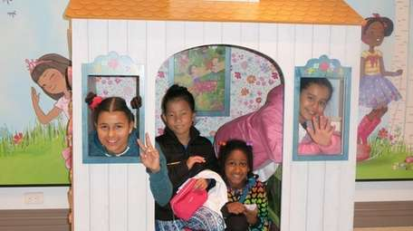 Kidsday reporters, from left, Isabella Franco, Emma Ronai,