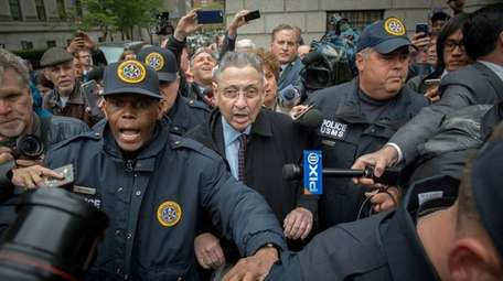 Former Assembly Speaker Sheldon Silver leaves court in
