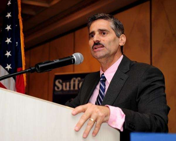 Suffolk County Executive Steve Levy addresses the Student