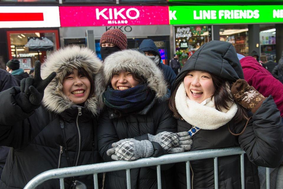 Kyoka Yamanaka, Miori Rue, and Kaho Maeda, all