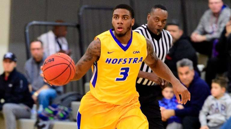 Hofstra Pride guard Justin Wright-Foreman (3) brings the