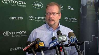Jets GM Mike Maccagnan at a news conference