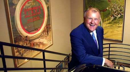Bruce Halle's company grew into the largest independent