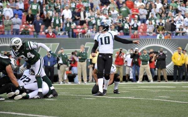 Jaguars kicker Josh Scobee watches his winning field
