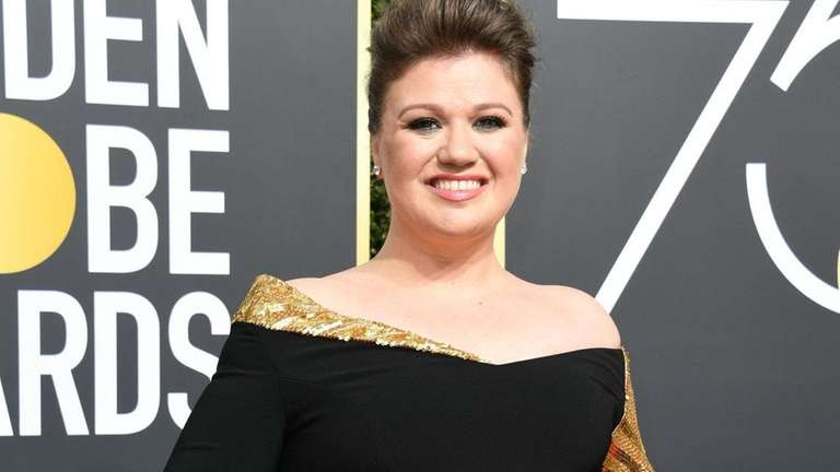 Kelly Clarkson added some gold to her off-the