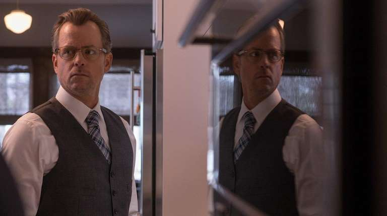 Greg Kinnear appears in