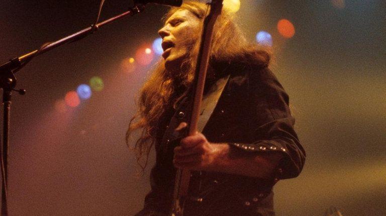 Motorhead's 'Fast Eddie' Clarke performs in 1981.