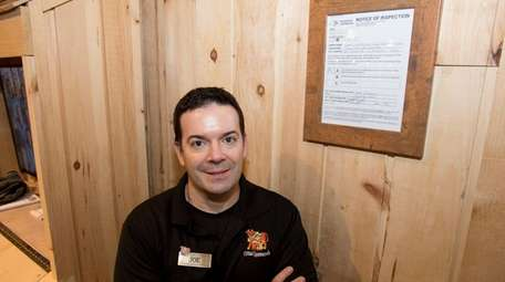 Stew Leonard's store director Joe Vota with A