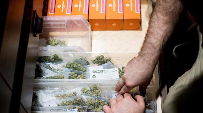 Marijuana legalization favored by most voters, despite new DOJ stance