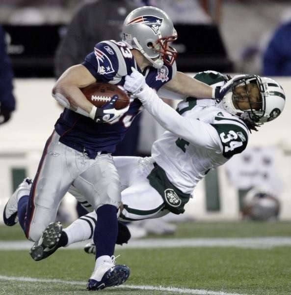 New England Patriots wide receiver Wes Welker puts