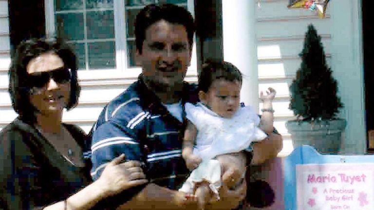 Kidsday reporter Maria Lettieri and her parents, Nina