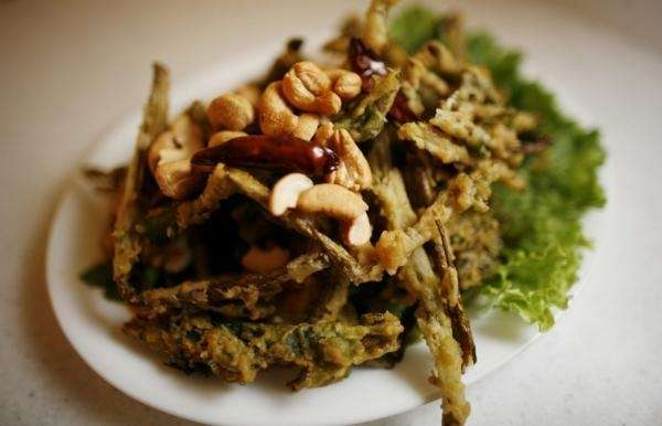 Tasty dishes at SriPraPhai in Williston Park include