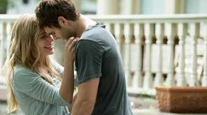 Jessica Rothe and Alex Roe in
