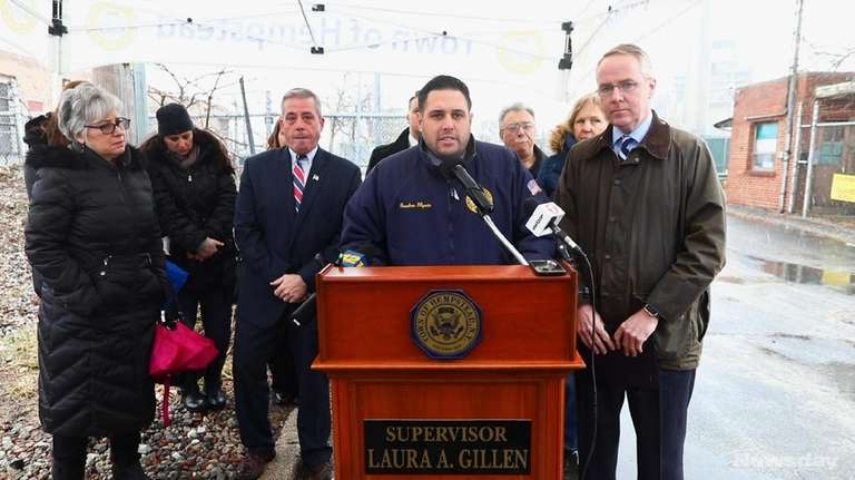 On Wednesday, Jan. 17, 2018, Hempstead Town officials