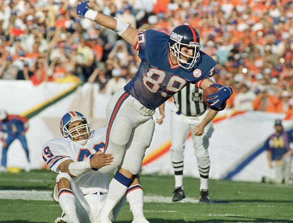 New York Giants tight end Mark Bavaro (89)