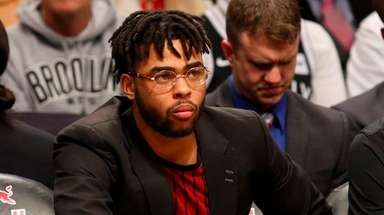 D'Angelo Russell #1 of the Brooklyn Nets looks