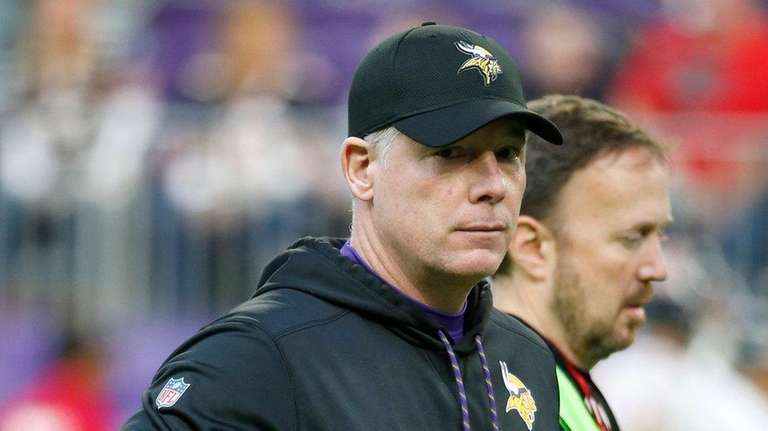 Vikings offensive coordinator Pat Shurmur is expected to