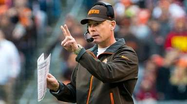 Pat Shurmur has experience as a head coach
