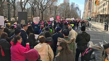 Protesters line up for the Women's March on