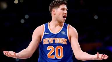 Doug McDermott #20 of the New York Knicks