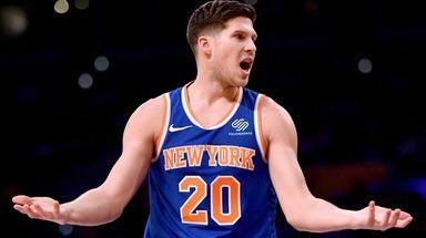 Doug McDermott #20 of the New York Knicks
