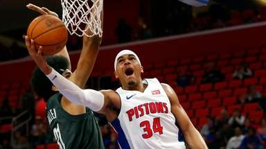 Detroit Pistons forward Tobias Harris (34) drives on
