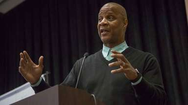 Former Mets and Yankees star Darryl Strawberry speaks