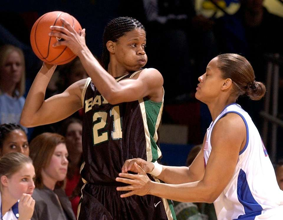 Former Baylor women's basketball player Chameka Scott died