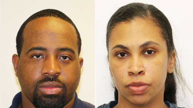 Postal carrier, girlfriend charged in credit card theft scheme