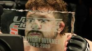 Roy Nelson defeated Brendan Schaub via first-round knockout