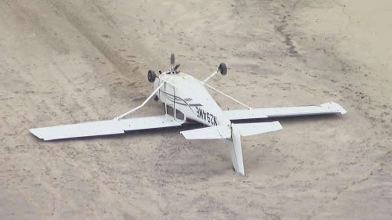 Cessna Flips While Making Emergency Landing