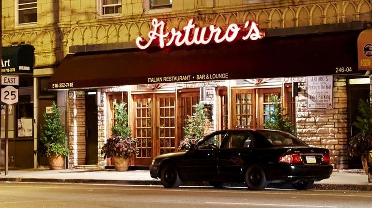 Arturo's in Floral Park has been replaced by