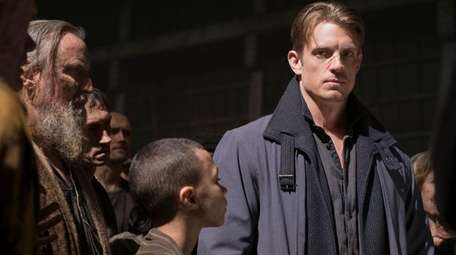 Joel Kinnaman hunts for a murderer on