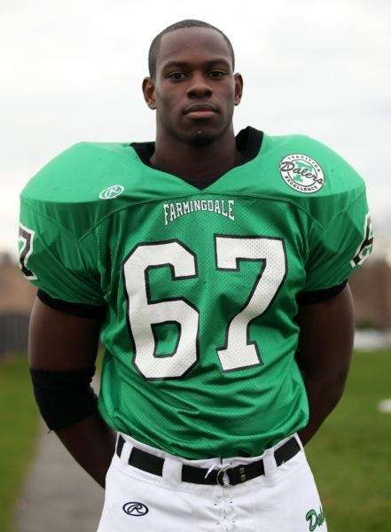 CHRIS RICHARDS Farmingdale, Offensive Lineman Senior, 6-3, 235