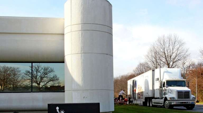 A box is moved out of Lend America