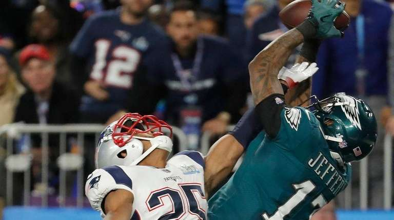 Updates, Analysis From Patriots Vs. Eagles In Minneapolis
