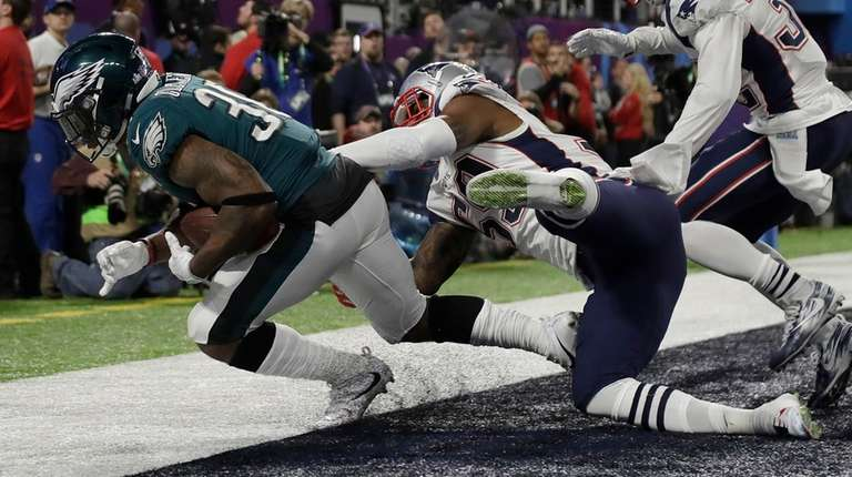 871d00926a7 Super Bowl LII: Corey Clement an unlikely hero for Eagles | Newsday