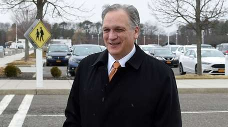 Former Nassau County Executive Edward Mangano arrives at