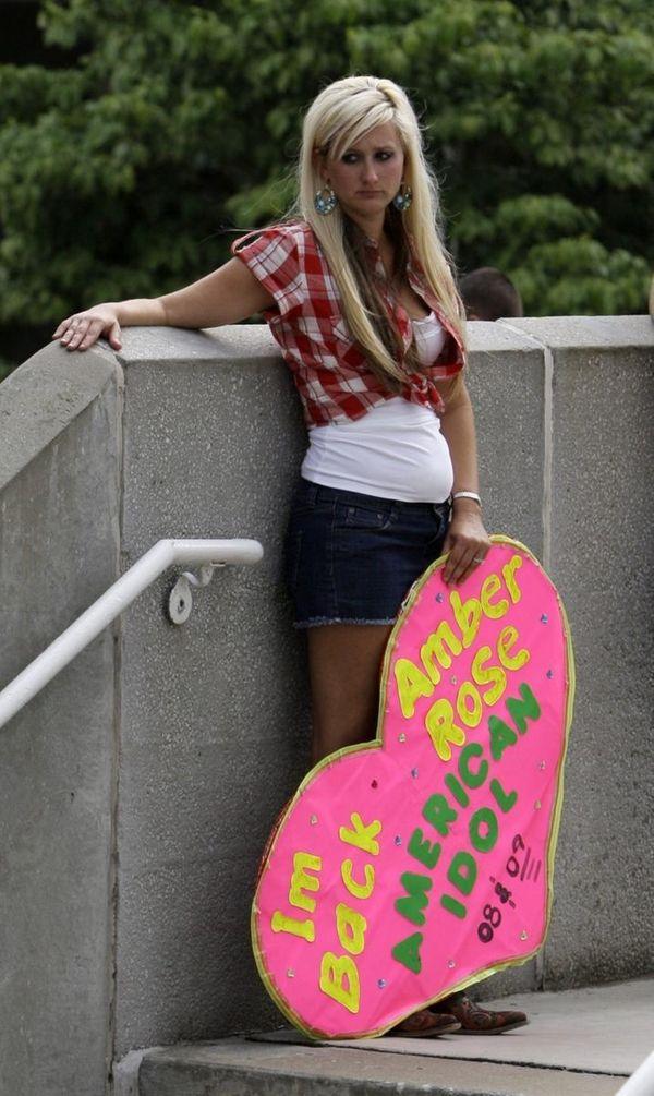Amber Rose Price, 27, of Amite, La., waits