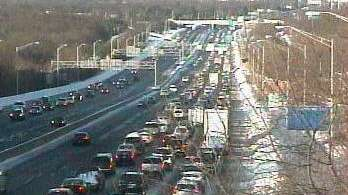 Two lanes on the westbound Long Island Expressway