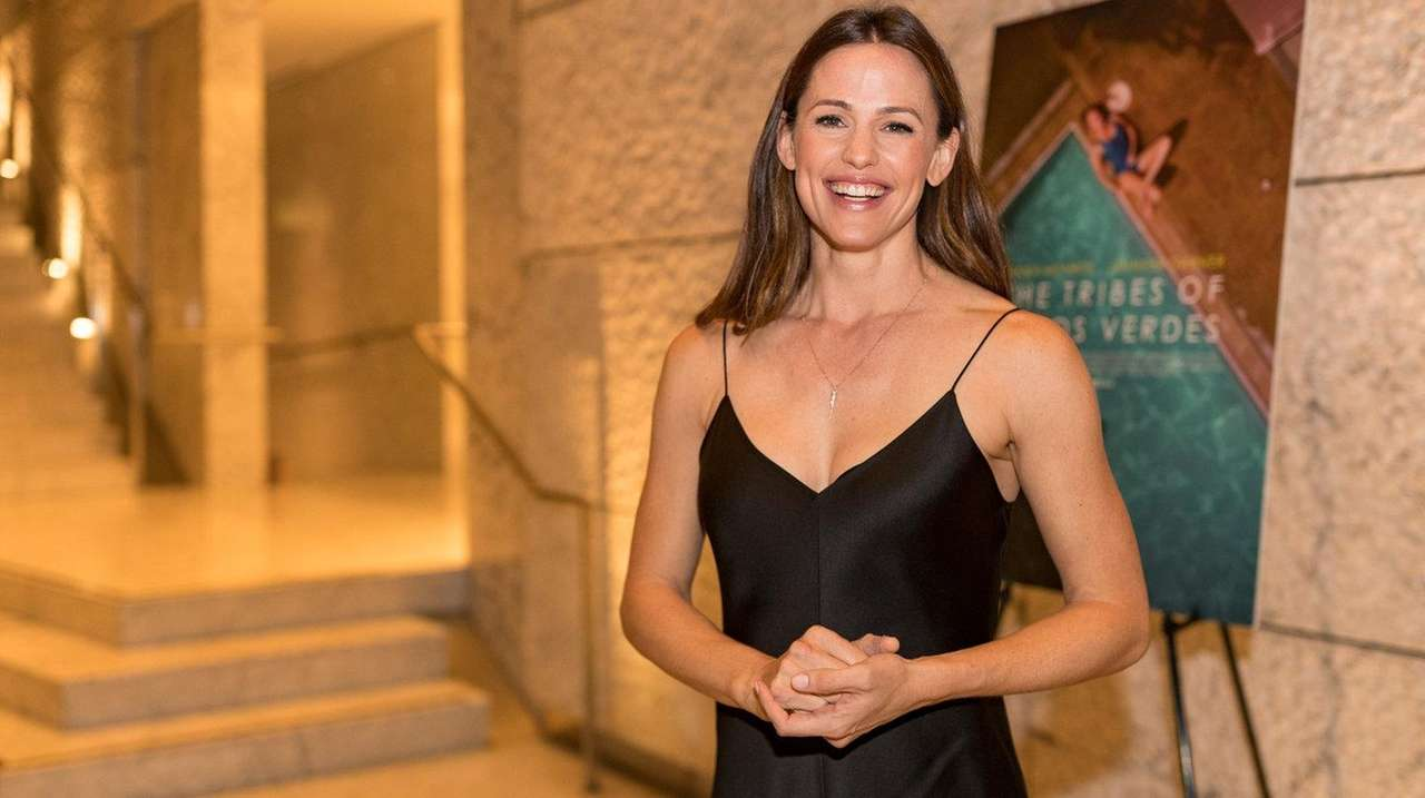Jennifer Garner is coming back to the small